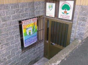 L'ingresso della sede della Lista, in via Vignola (clicca per ingrandire)