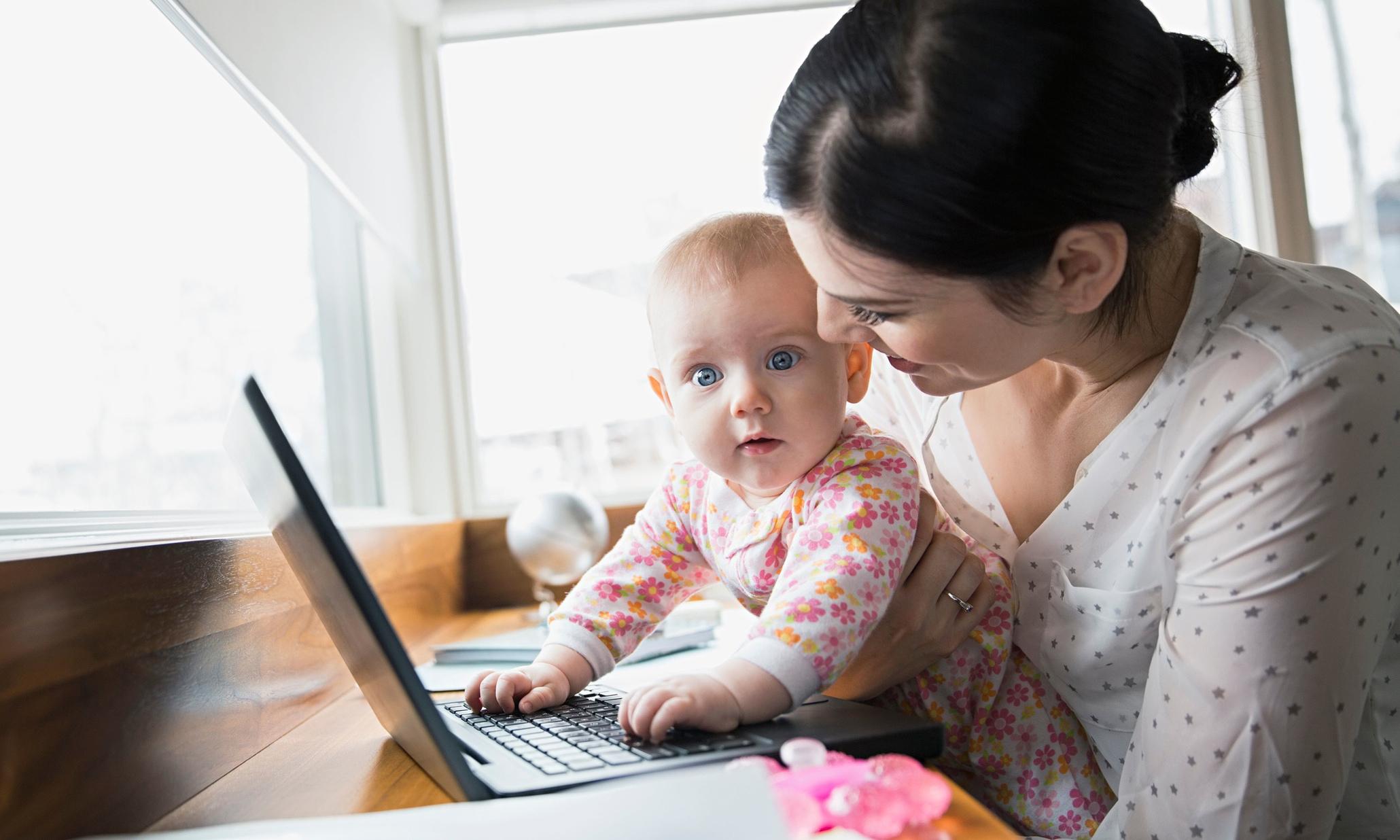 Centomila euro per mamme e bambini